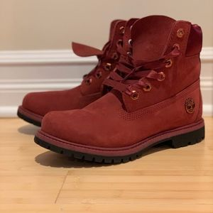 New Women's Suede & Satin Timberland Boots (Size7)